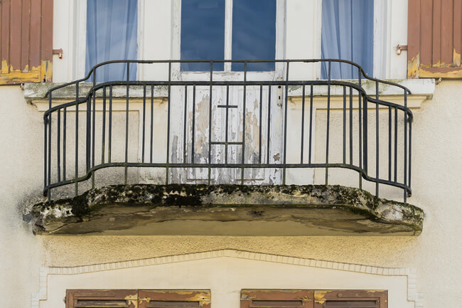defekter-balkon-emp